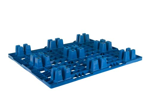 Bottom of the LogisticX 12-10 lightweight plastic export pallet.